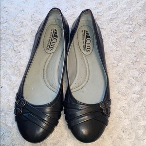 Cliffs Black Flats With Buckles
